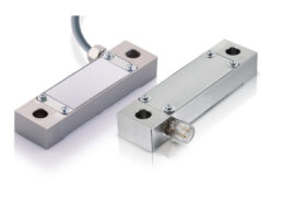 Strain sensor with M12 plug and cable outlet